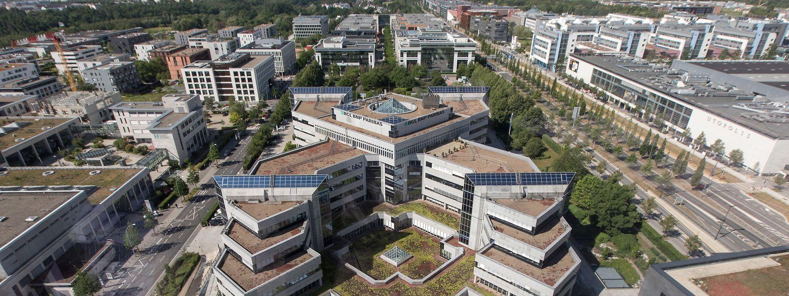 Architektonisches Wahrzeichen: Blick von den beiden neuen Türmen aus auf den 1995 fertiggestellten Hauptsitz von BGL BNP Paribas auf Kirchberg.