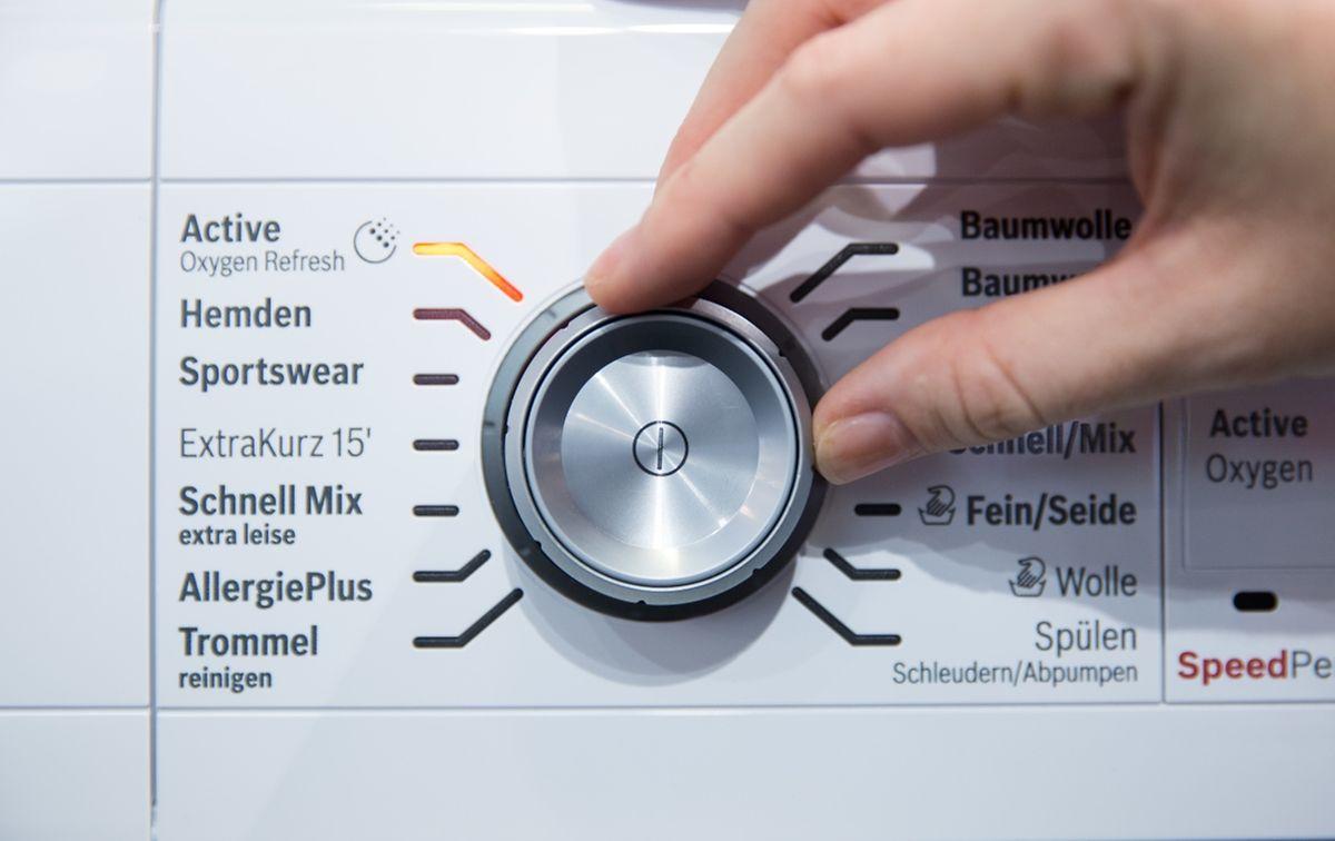 Auch ein Risiko:Die Waschmaschine kann billig in der Anschaffung sein, später aber mit hohem Wasser- und Stromverbrauch richtig ins Geld gehen.