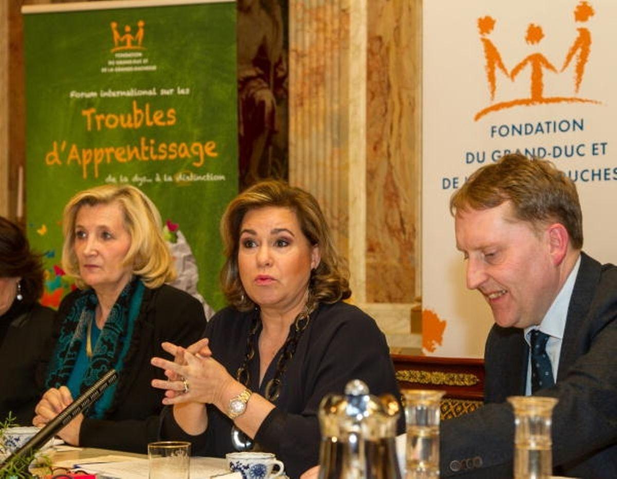 Chantal Selva, la consultante externe de la Cour grand-ducale, assise à droite de la Grand-Duchesse.