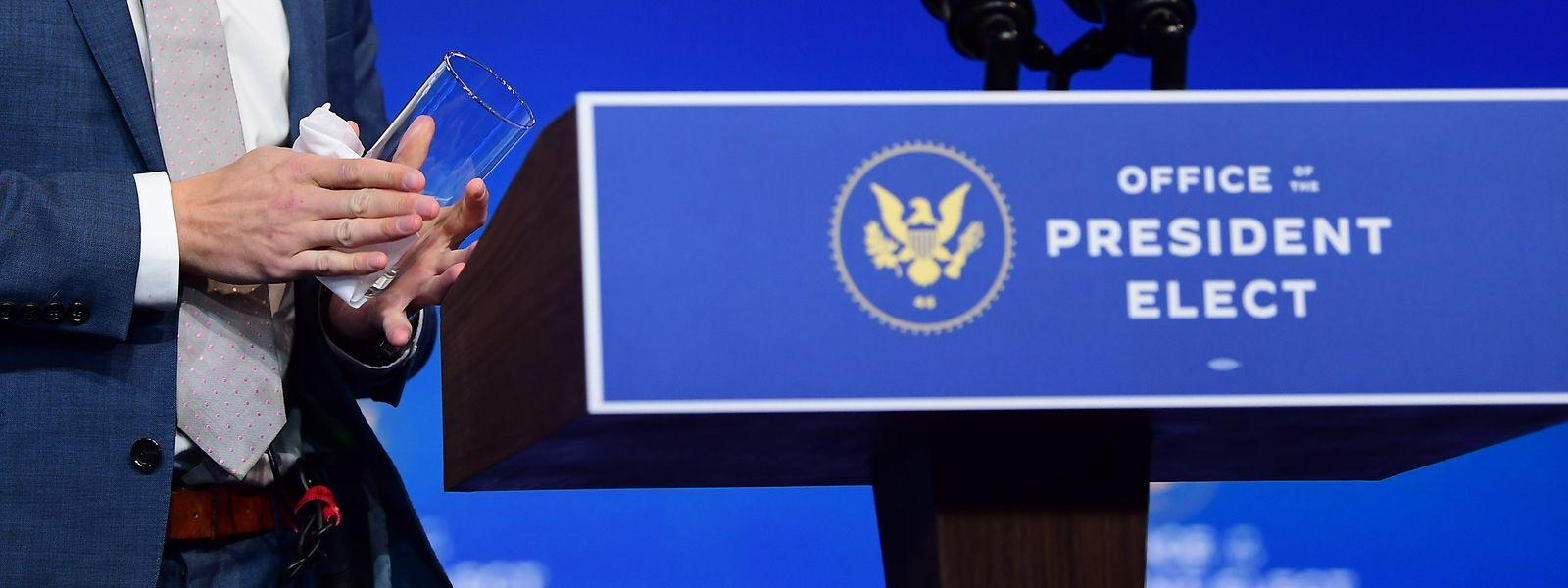 Der gewählte Präsident schlägt versöhnlichere Töne an, als der Noch-Amtsinhaber.
