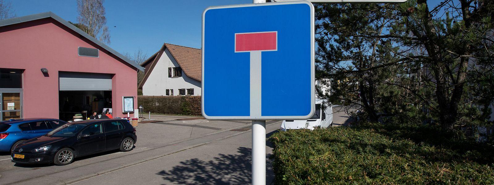 In dieser Sackgasse, in der Rue Nic Welter in Sandweiler, endete die Verfolgungsfahrt am 1. November 2010.
