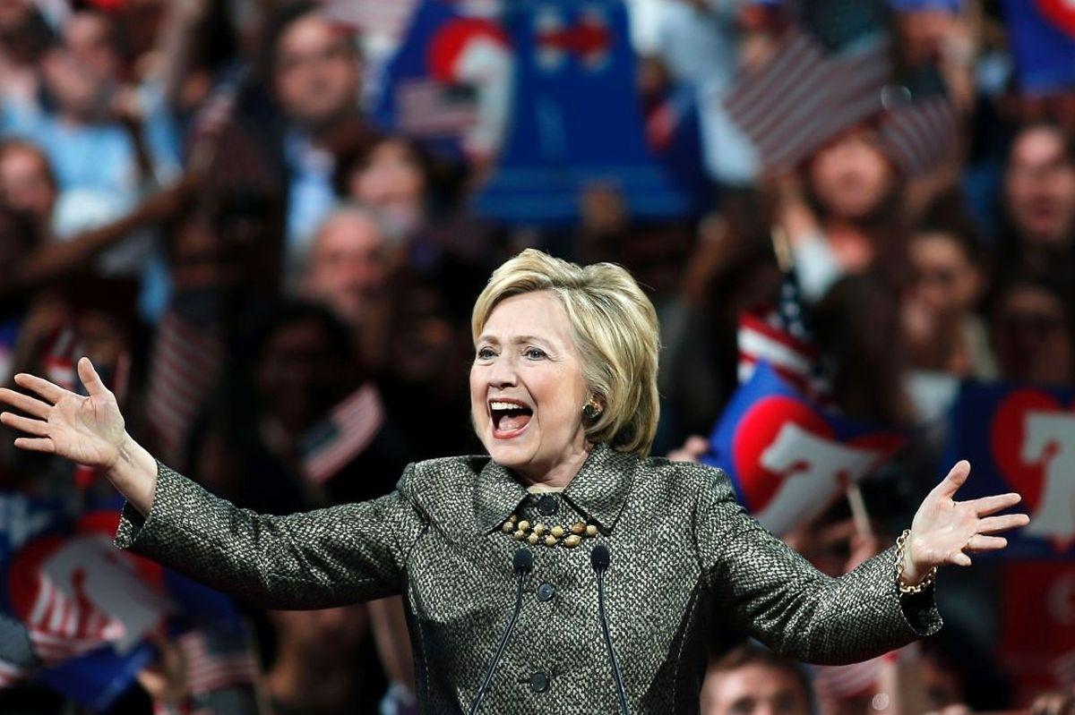 Hillary Clinton ist die Favoritin bei den Demokraten. Ihr Konkurrent Bernie Sanders hat kaum noch eine Chance auf eine Nominierung.