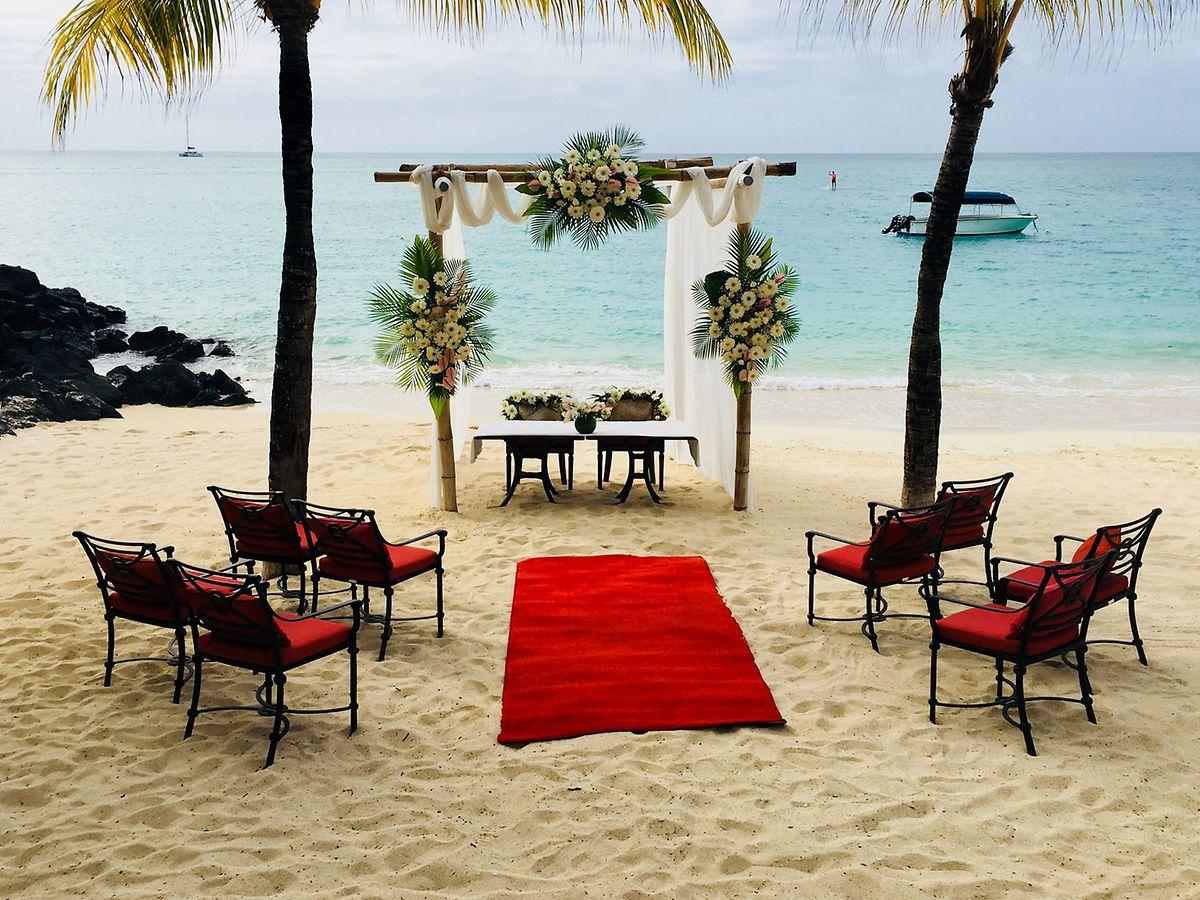 Jawort vor einer paradiesischen Kulisse: Die Brautpaare wählen fast immer den Strand für die Zeremonie.