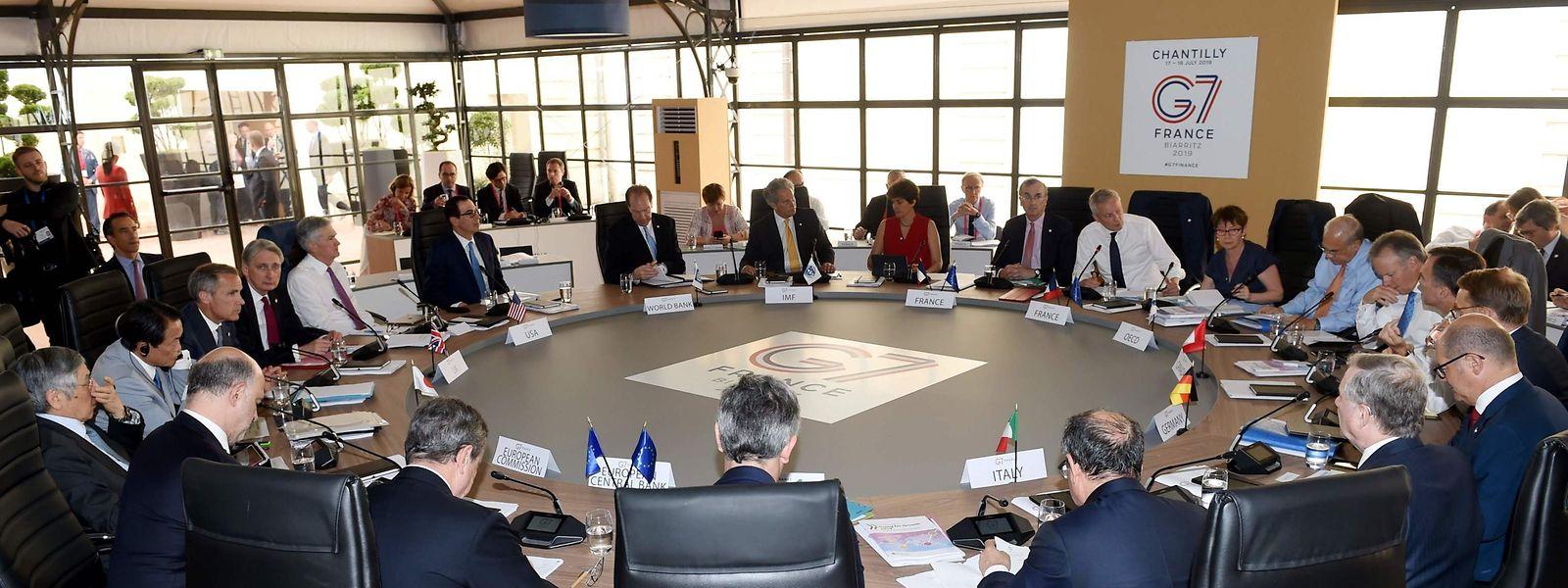 Au bout d'une nuit de négociations, les sept économies les plus avancées ont finalement trouvé un consensus, présenté par la présidence française comme «une avancée».