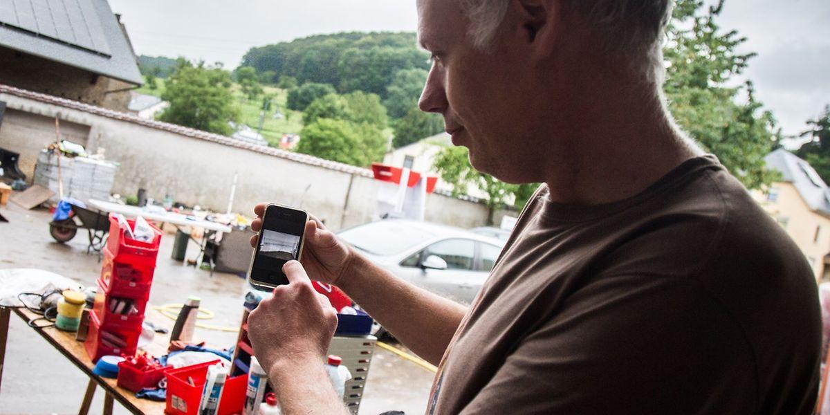 A Ermsdorf, Vincent Saxer commercialise des produits de nettoyage de cuir.