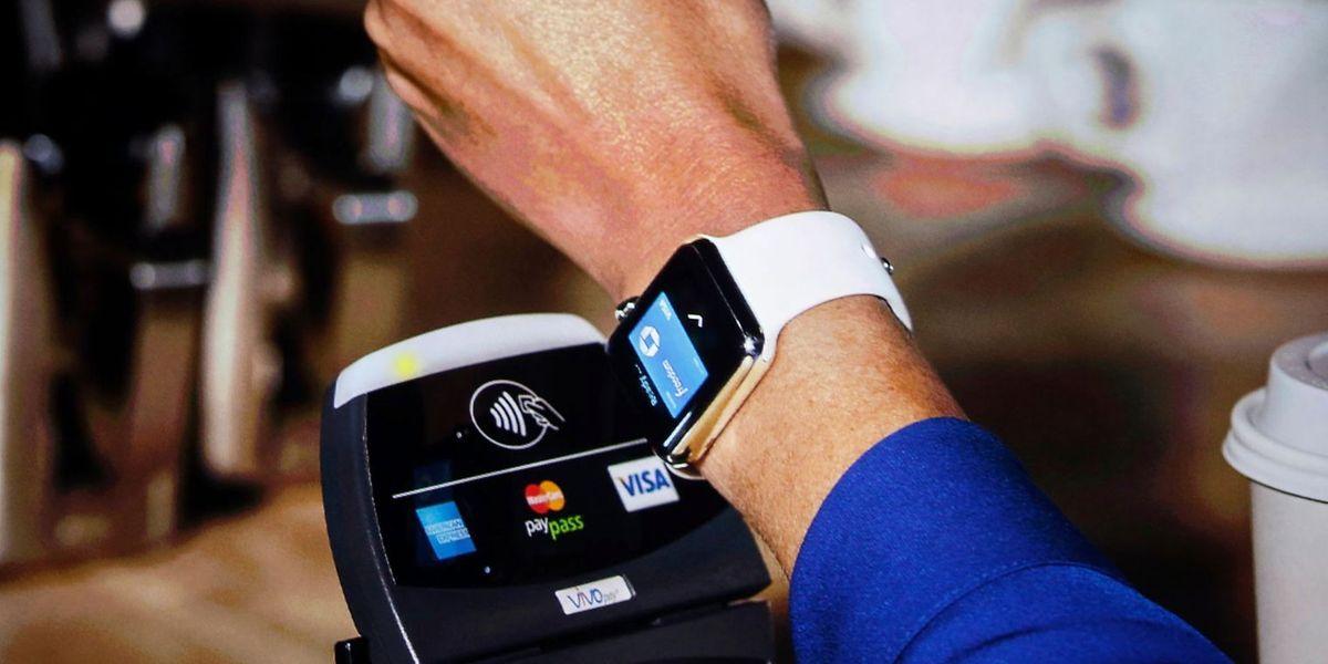 La prochaine génération de paiement passera probablement par les objets connectés comme les montres. Cela fonctionne déjà avec l'Apple Watch. D'autres projets sont en cours