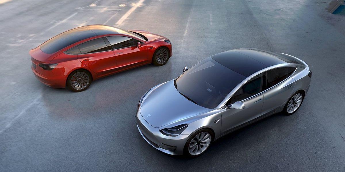 Die Nachfrage nach dem günstigeren Tesla Model 3 ist offenbar groß.