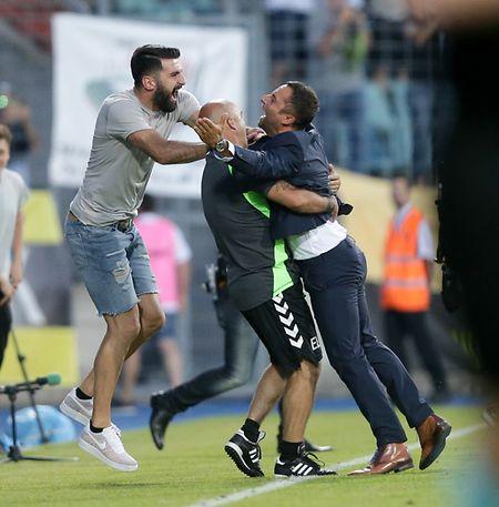 Toute la joie de Paolo Amodio, Emilio Lobo et Dino Ramdedovic.