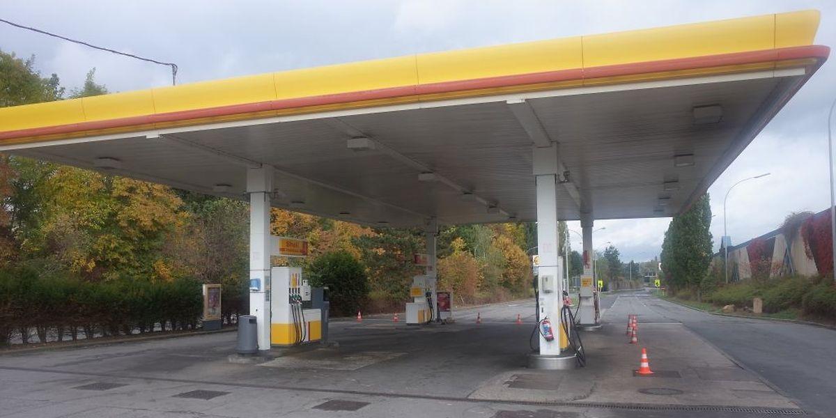 So leer sieht man eine Tankstelle während den Öffnungszeiten nur selten.