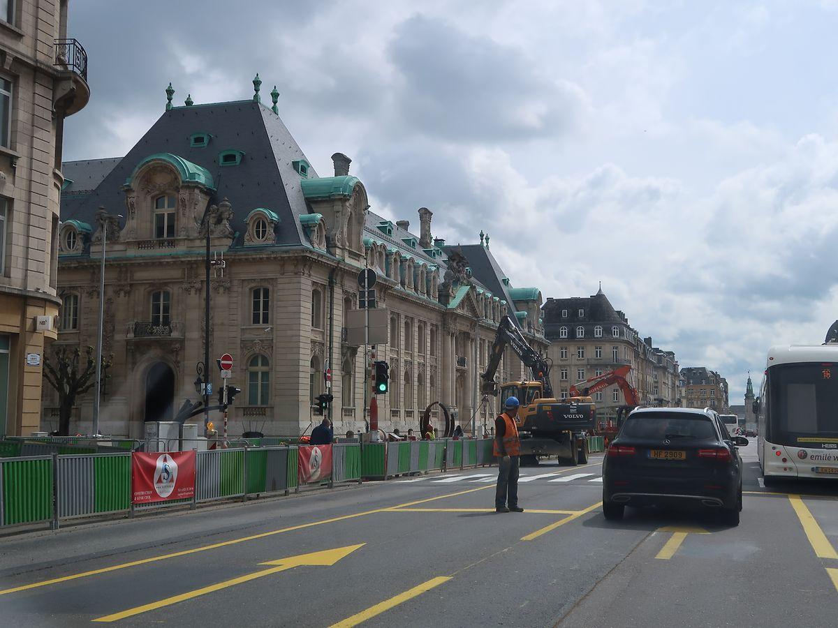 Depuis la mi-octobre, des travaux préparatoires sont déjà en cours entre la place de Metz et la place de Paris le long de l'avenue de la Liberté.