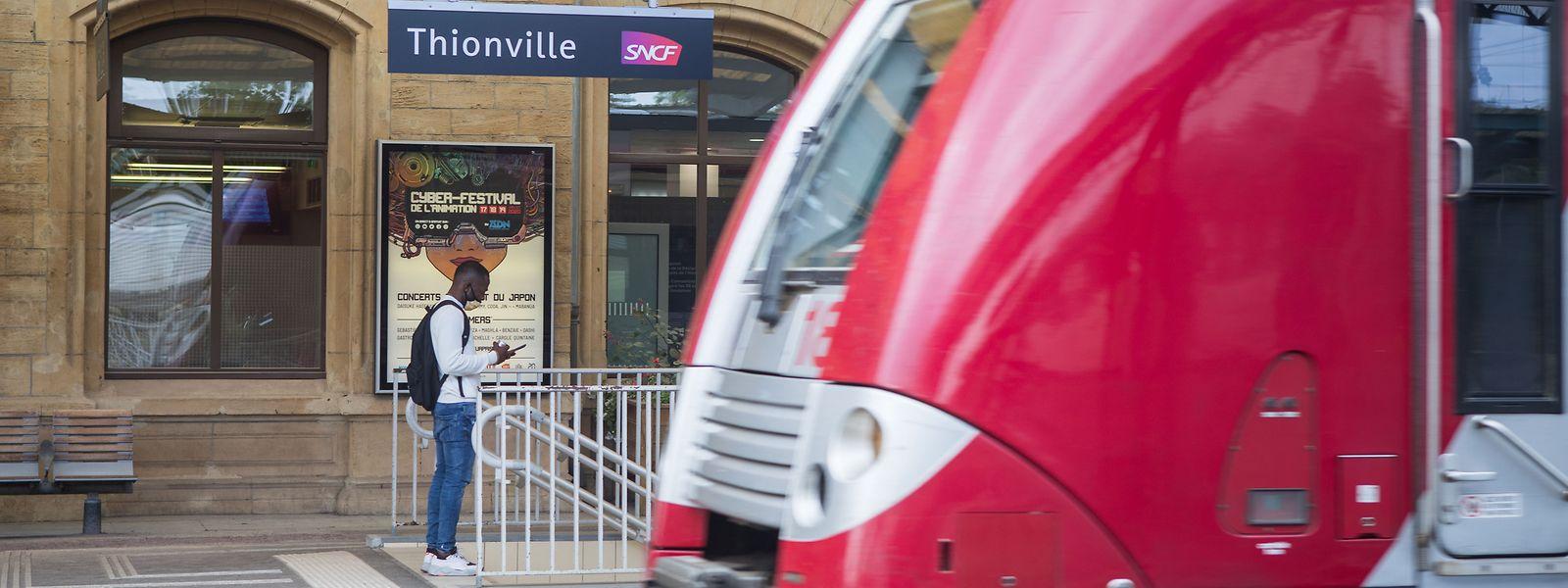 Si les TER seront de nouveau opérationnels ce mardi, les TGV devront attendre mercredi avant de circuler à nouveau entre les deux gares.