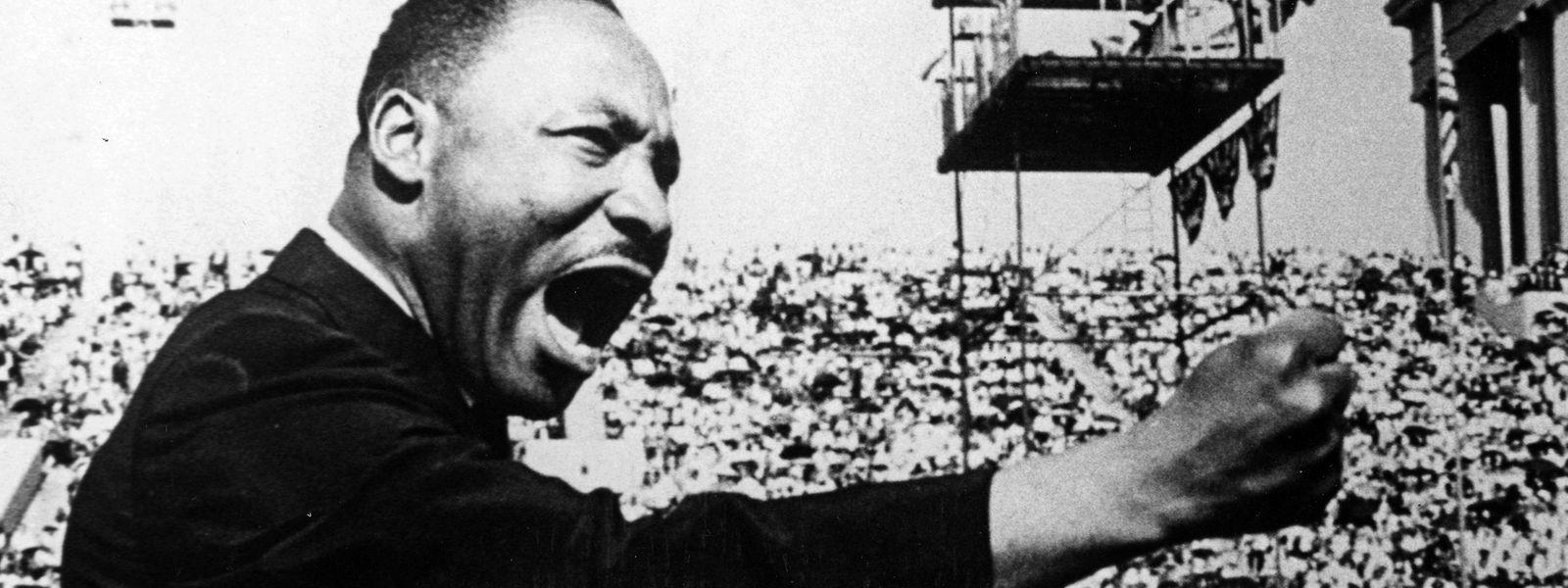 Der Bürgerrechtler Martin Luther King Jr. bei einer Kundgebung in Chicago.