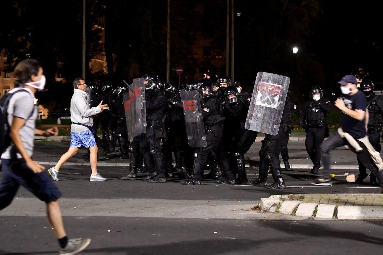 Proteste gegen Corona-Maßnahmen in Belgrad.