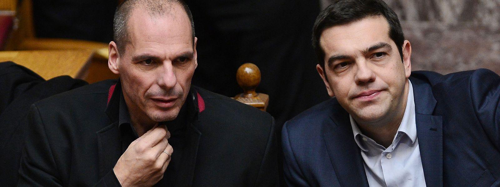 Sie sind kein Traumpaar mehr, sondern erbitterte Gegner: der frühere griechische Finanzminister Yanis Varoufakis (l.) und Premier Alexis Tsipras.