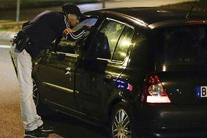 En septembre, une voiture contenant plusieurs bonbonnes de gaz avait été trouvée au coeur de Paris. Un commando de trois femmes avait été arrêté un peu plus tard.