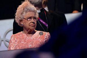Immer für eine Überraschung gut: Queen Elizabeth II. bei der Eröffnungsfeier der Olympischen Spiele.