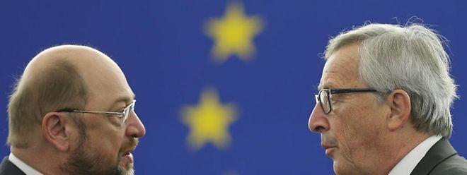 Matin Schulz, à esquerda, quer ouvir Juncker em comissão de inquérito