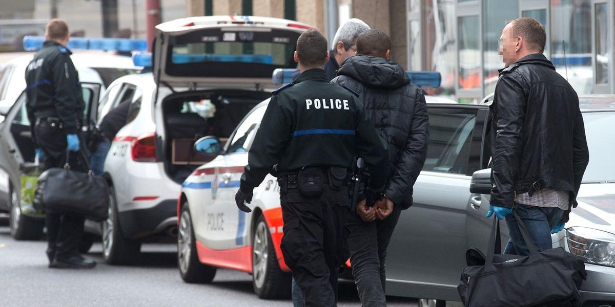Am 27. Oktober 2015 waren mehrere Dutzend mutmaßliche Drogenhändler in dem von Joseph E. betriebenen Haus, in der Grand-Rue in Wasserbillig, festgenommen worden.