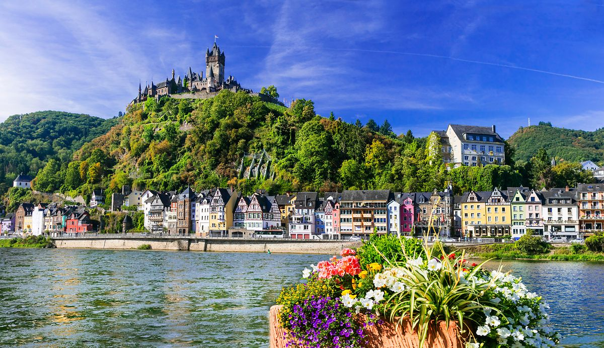 A view over the German medieval town of Cochem, 1 hour 45 minutes from Luxembourg Photo: Shutterstock