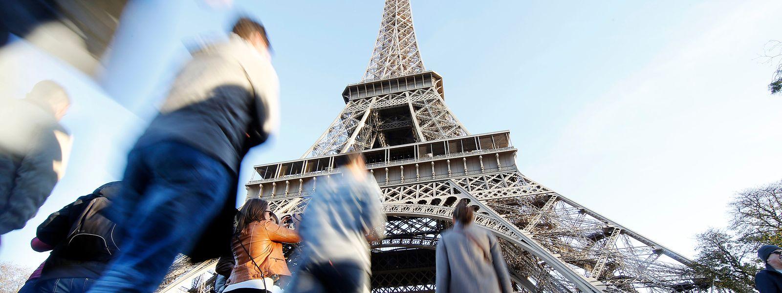 Rund sieben Millionen zahlende Besucher zählt der Eiffelturm im Jahr.