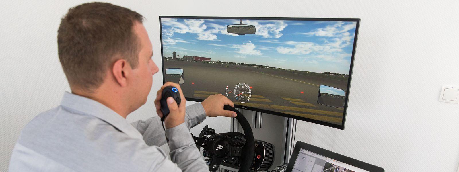 Für die Fahrten auf dem Rollfeld ist das richtige Training besonders wichtig. Der Fahrsimulator stellt dazu realistische Situationen in dreidimensionaler Ansicht zum Üben nach.