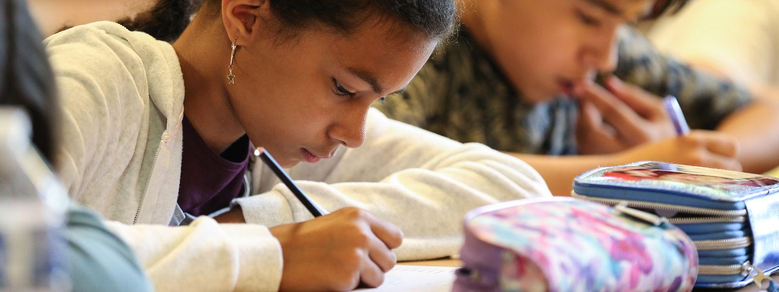 Der Bildungsminister möchte, dass die Schulen Hausaufgabenkonzepte erstellen.