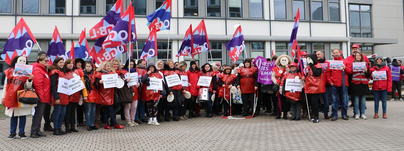 Les agents de nettoyage travaillant dans les bâtiments de la Commission européenne ont mis en avant pour la troisième fois leurs conditions de travail.