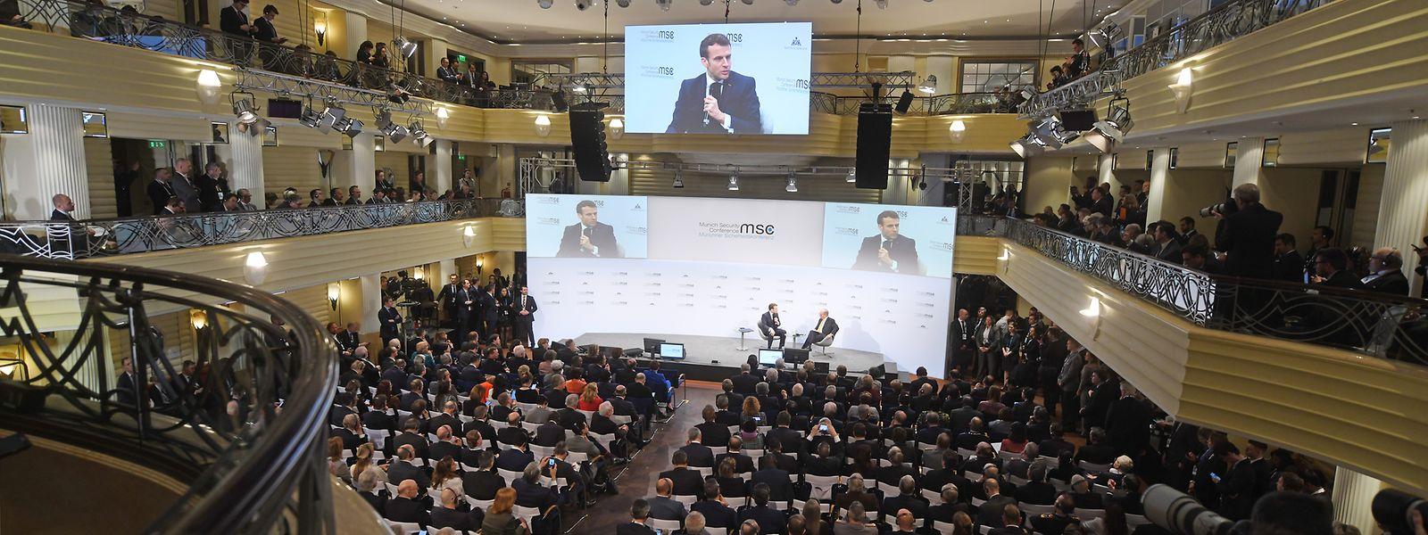 Emmanuel Macron, Präsident von Frankreich, fordert die Europäer bei der Münchner Sicherheitskonferenz zu einer stärkeren Zusammenarbeit in Fragen der Verteidigung auf.