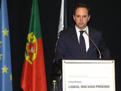 O presidente da Câmara Municipal de Lisboa, Fernando Medina, discursa durante a cerimónia de apresentação dos novos Centros de Saúde para Lisboa, incluindo o futuro equipamento do SNS no Parque das Nações, 14 de março de 2017, no Pavilhão do Conhecimento – Ciência Viva, Parque das Nações, em Lisboa. INÁCIO ROSA/LUSA