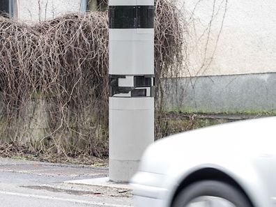 This recently installed speed camera in Beckerich, in the west of Luxembourg, had a protective visor ripped off