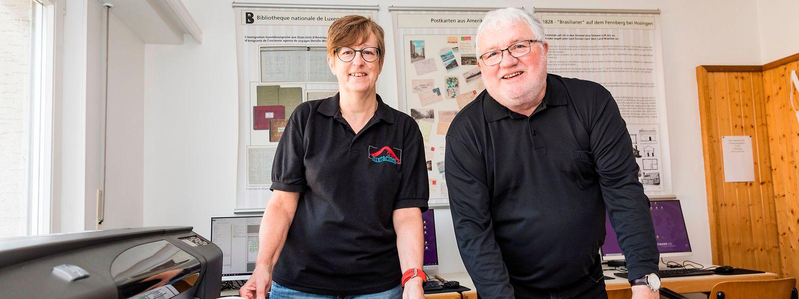 Stolz sind Cathy Meder-Dempsey und Rob Deltgen von Luxracines auf ihren neuen Großformatdrucker.
