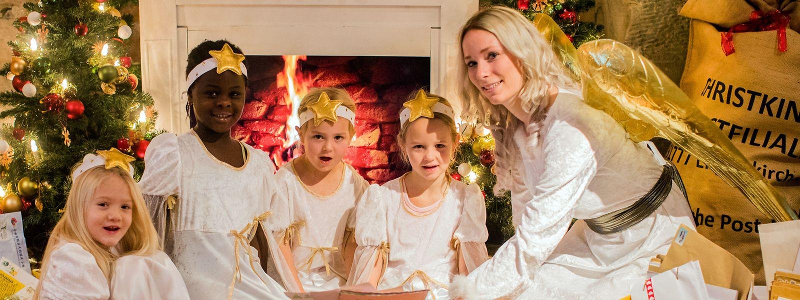 Das Christkind (rechts) beglückt die Kinder in Luxemburg, Österreich und katholischen Teilen Deutschlands.