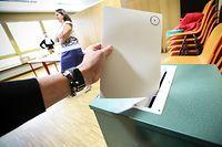 Gemeindewahlen, élections communales 2017. Wahlbüro Hesperange. Photo Guy Wolff