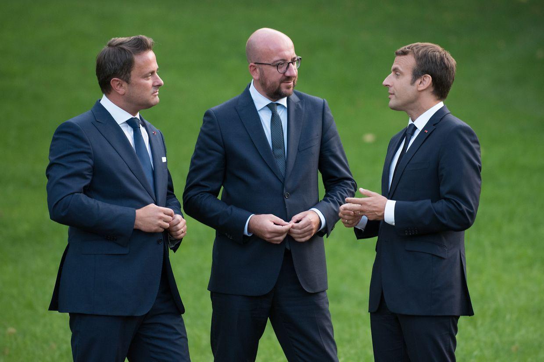 (de g. à dr.)  Xavier Bettel, Premier ministre, ministre d'État; Charles Michel, Premier ministre du royaume de Belgique; Emmanuel Macron, président de la République française ;