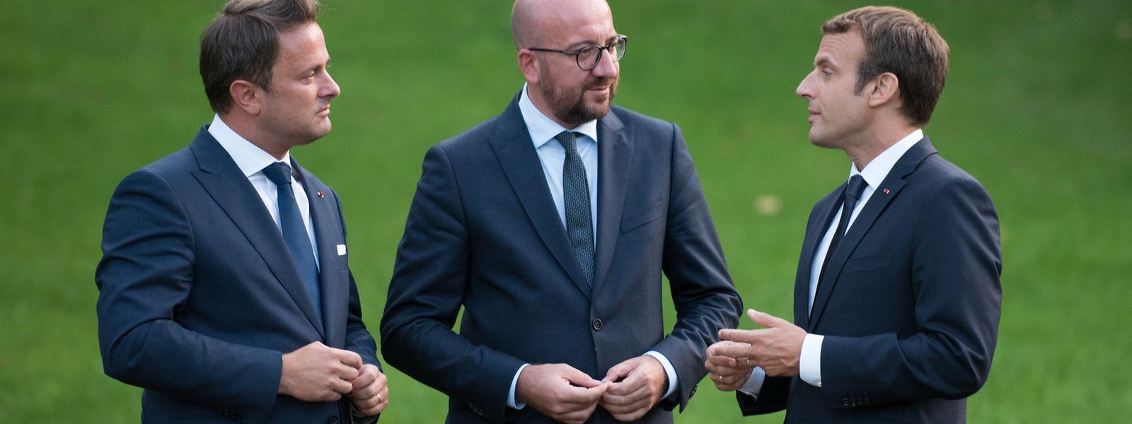 (de g. à dr.)  Xavier Bettel, Premier ministre, ministre d'État; Charles Michel, Premier ministre du royaume de Belgique; Emmanuel Macron, président de la République française