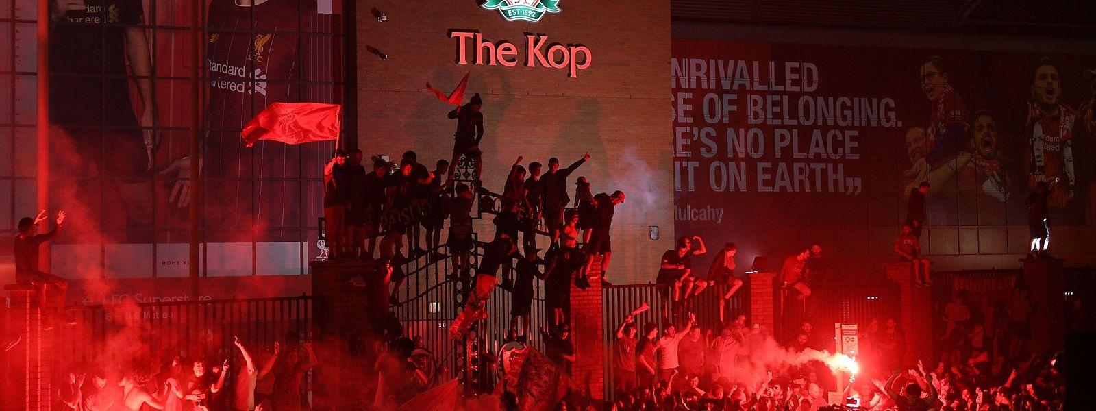 Die Liverpool-Fans feiern die ganze Nacht.