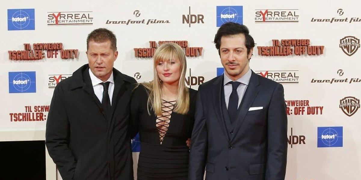 """Til Schweiger (l.) mit Tochter Luna und Schauspiel-Kollege Fahri Yardim bei der Premiere von """"Tschiller: Off Duty"""" in Berlin."""