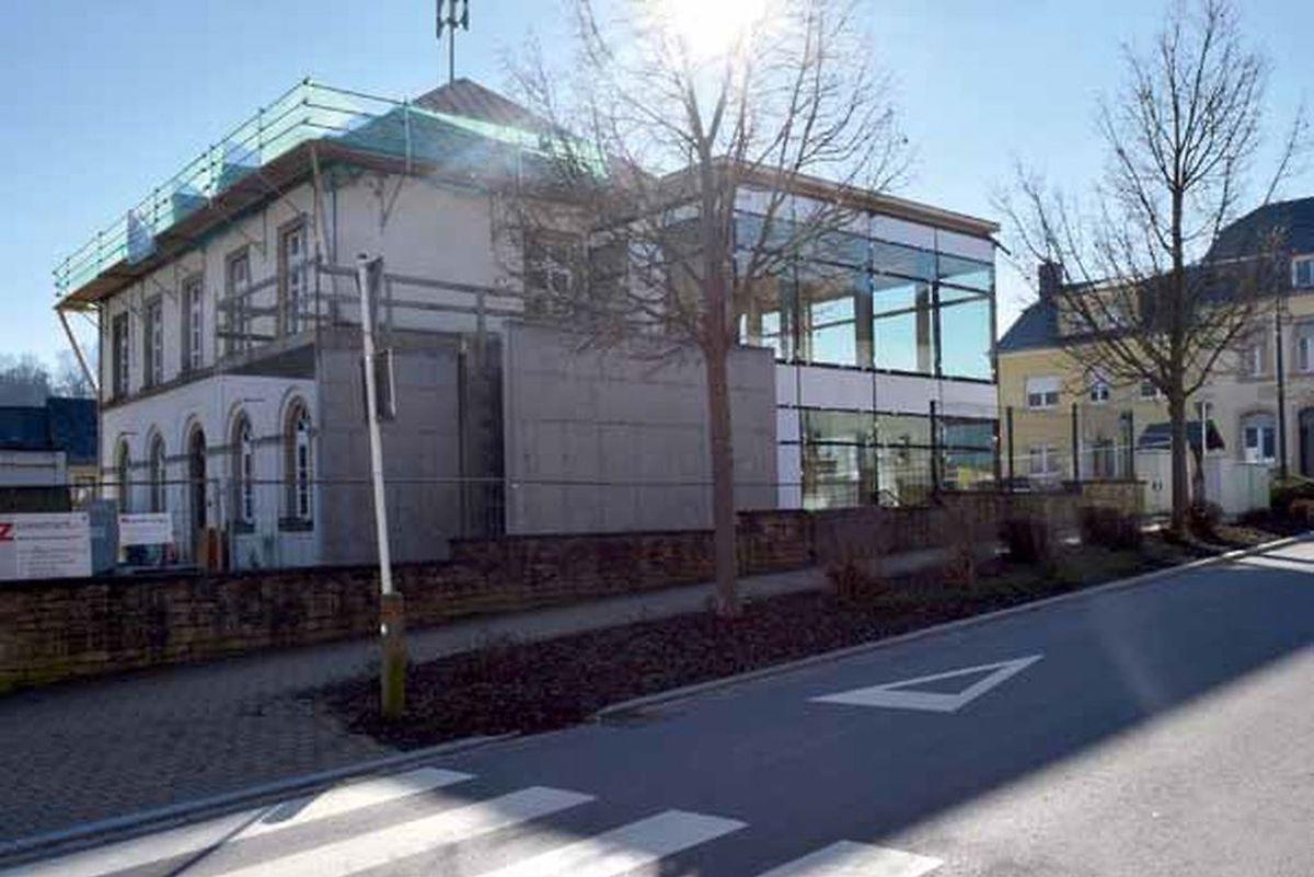 """La Maison des Générations et une extension aux grandes baies vitrées: c'est le restaurant """"Aal Schoul"""", la """"Vieille École"""", qui va ouvrir début mai."""