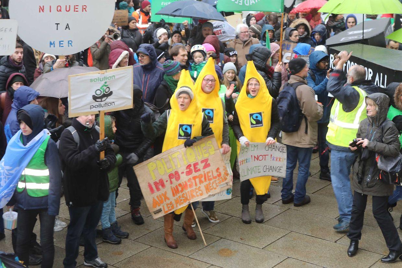 La marche pour le climat est partie à 14h du Glacis pour se diriger vers la Chambre des députés.