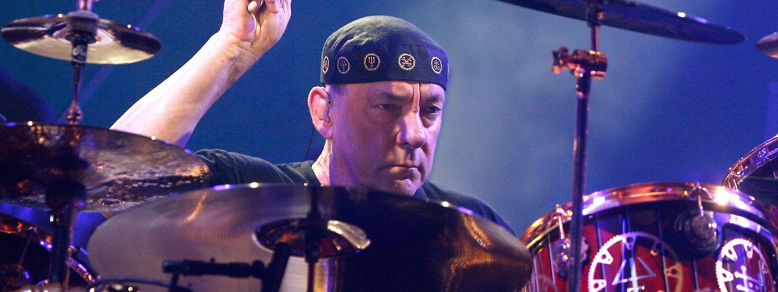 Rush-Schlagzeuger Neil Peart bei einem Konzert in Brooklyn im Jahr 2012.