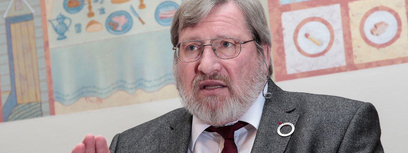 Robert Urbé von der Caritas fordert, dass die Politik das Problem der Armut in Luxemburg endlich richtig ernst nimmt.