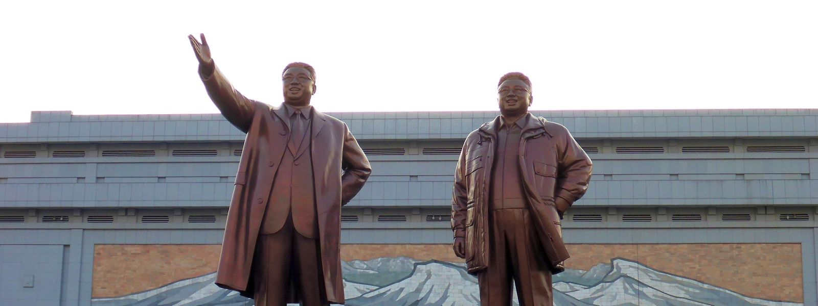 Allgegenwärtig: Die Staatsführung, hier in Bronze.
