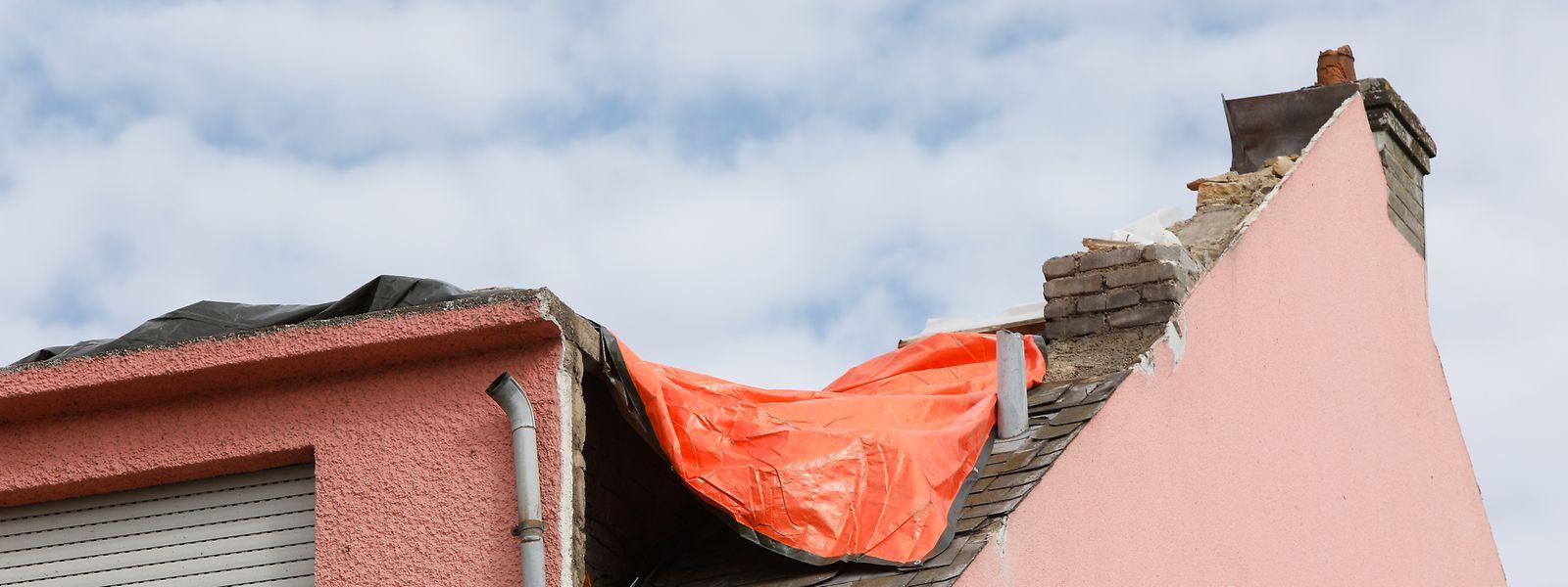 Während dem Tornado im August wurden zahlreiche Häuser beschädigt - wie hier in Niederkerschen.