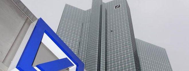 Die Bank verständigte sich am Donnerstag mit mehreren Behörden in den USA und Großbritannien auf einen Vergleich.