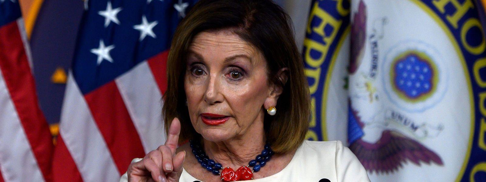 Pour Nancy Pelosi, cheffe des démocrates au Congrès, ce n'est «que la dernière tentative» de la Maison Blanche «de camoufler sa trahison de notre démocratie».