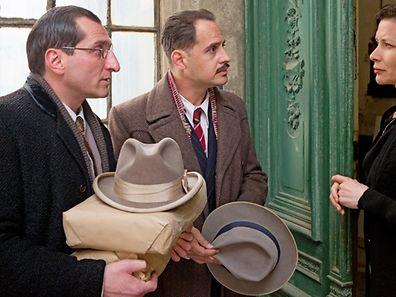 """Moritz Bleibtreu (M.) spielt die Hauptrolle in """"Es war einmal in Deutschland"""", eine Koproduktion der Luxemburger Samsa-Film."""