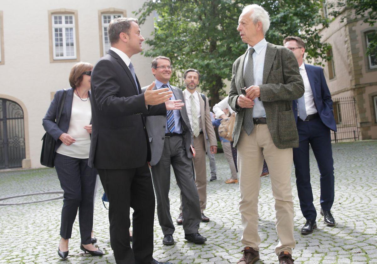Xavier Bettel, Premier ministre, en pleine discussion avec Marc Fischbach, président de la COPAS.
