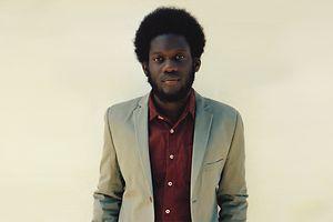 Der studierte Jazzmusiker aus London bringt Sound und Themen der 1960er- und 1970er-Jahre in die Gegenwart.
