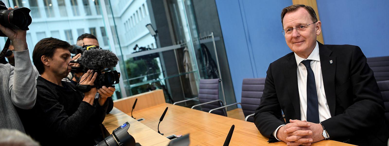 Bodo Ramelow, Spitzenkandidat des Landesverbandes Thüringen der Partei Die Linke gibt eine Pressekonferenz über den Ausgang der Landtagswahl in Thüringen in der Bundespressekonferenz.