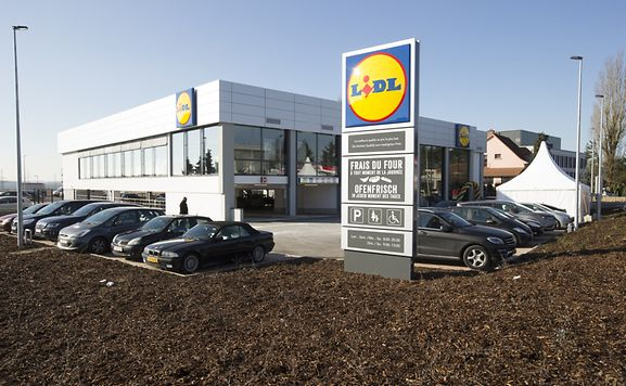 Luxemburger wort a 39 lidl 39 bit of what you fancy in strassen for Cdc luxembourg